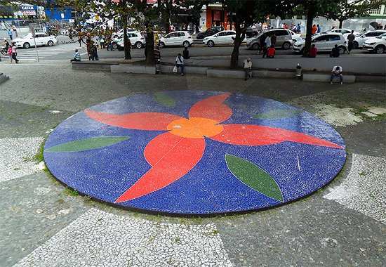 Espaco Cultural Luiz Jardim: Mosaico no Espaço Cultural Luís Jardim