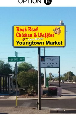 ‪‪Youngtown‬, ‪Arizona‬: Rags Real Chicken & Waffels‬