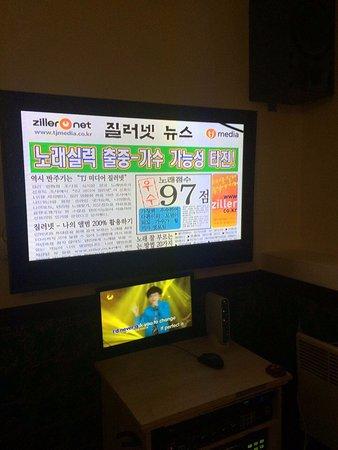 カラオケの画面、基本は韓国語です。