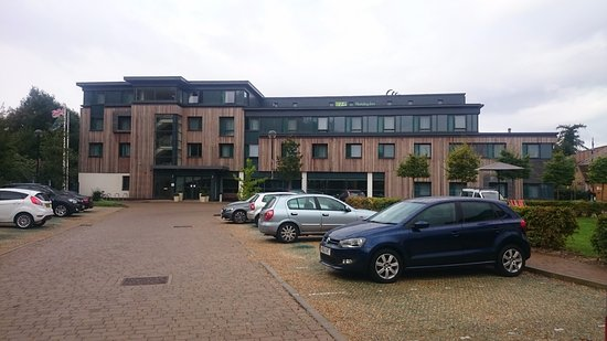 Whittlesford, UK : Outside of Hotel - Front view with car park