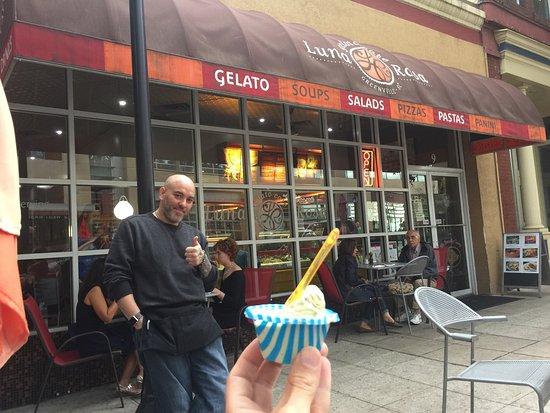Luna Rosa Gelato Cafe: photo0.jpg