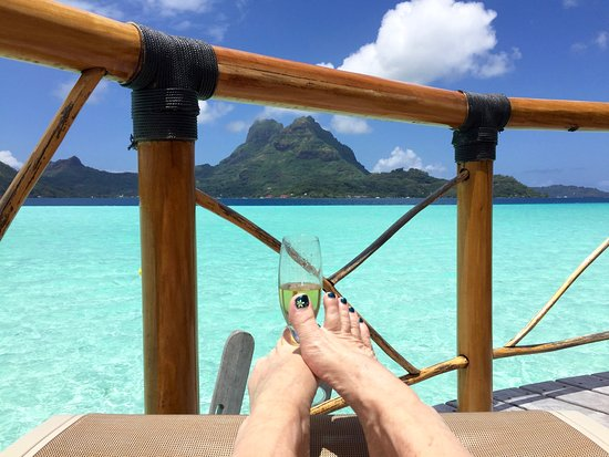 Bora Bora Pearl Beach Resort & Spa: Relaxing on the deck of bungalow 45