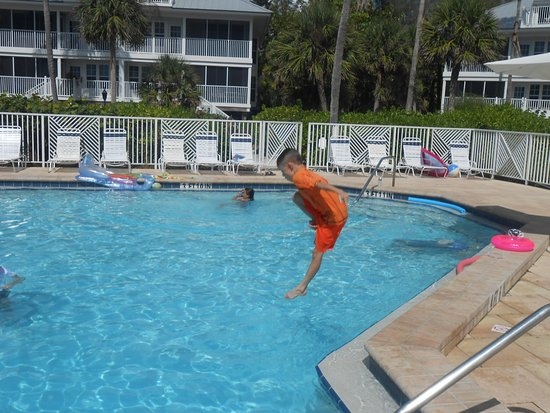 Placida, FL: October is a great time, and the pools are very uncrowded.