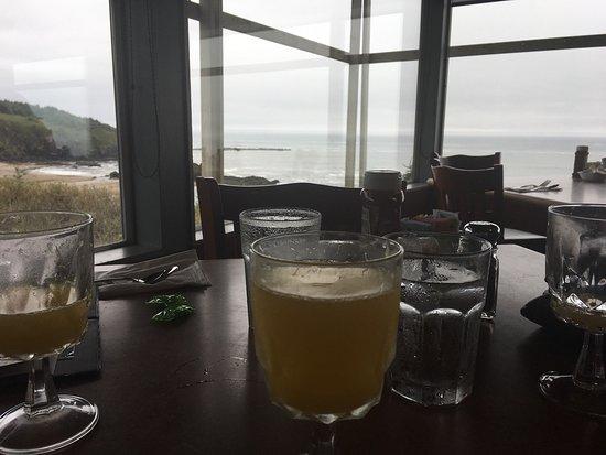 Depoe Bay, OR: Breakfast by the sea