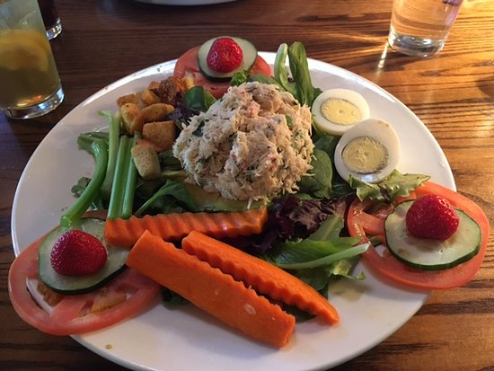 Center City, MN: King Crab salad