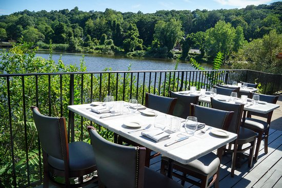 Roslyn, NY: Outdoor Seating