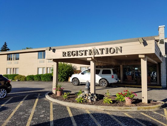 Mishicot, WI: Registration entrance