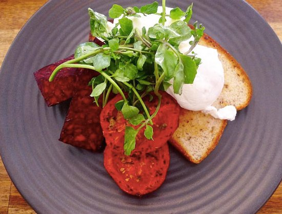 Blackheath, Australia: Poached eggs with Trunkey Creek chorizo, roasted tomatoes and gluten free toast