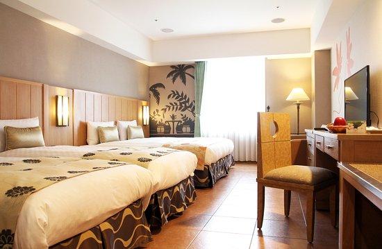 Janfusun Prince Hotel: Double Twin高級客房(24坪,1大+2小床)