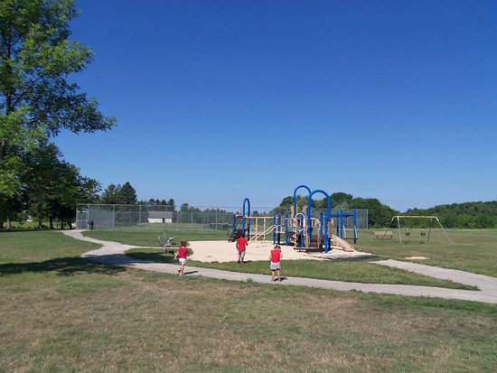 Mequon, WI: newer playground, paths to the shelters, open spaces