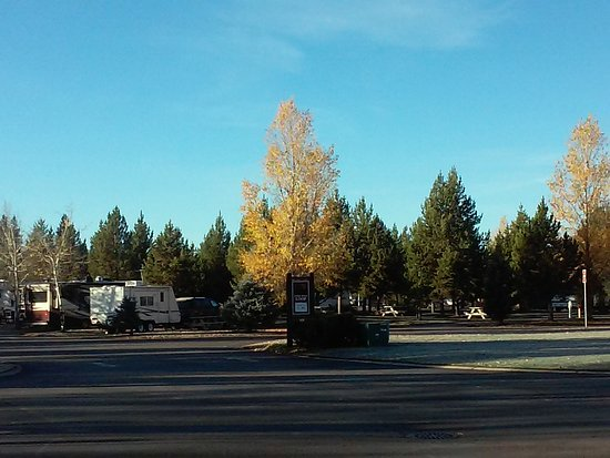 Yellowstone Grizzly RV Park: 20161009_083320_large.jpg