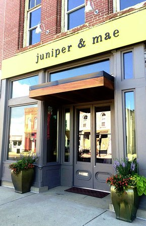 Princeton, IL: juniper and mae storefront along Main Street