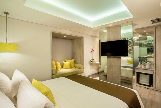 Zia Bali Seminyak Hotel Suite Room