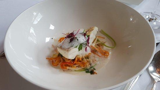 Hotel Restaurant Villino : Steinbutt auf Gemüsebett gedämpft mit Zitronengras Kokos Sauce