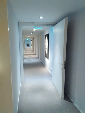 Munsbach, Luxemburgo: couloirs
