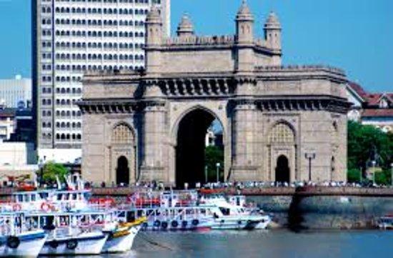 Gateway of India: Gateway image taken inside the sea in ferry boat side.