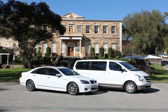 Williamstown, Australia: Choose to tour in our Hyundai Imax Van or our Holden Caprice...