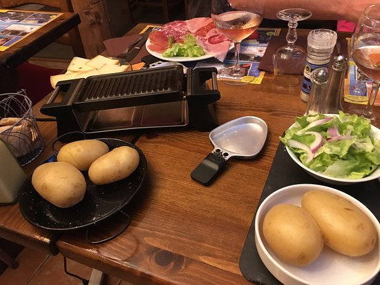 Les Angles, فرنسا: Raclette