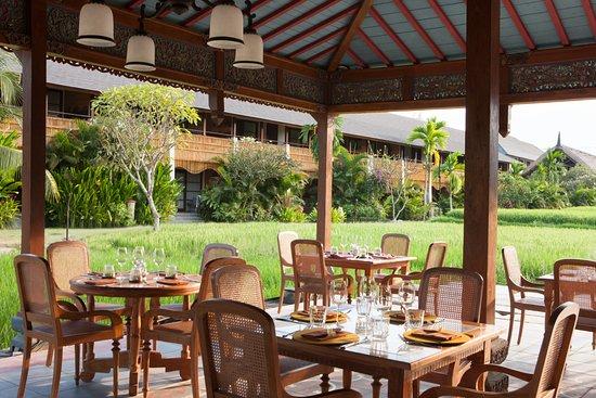 Manisan bali ubud restaurant reviews phone number for Design hotel ubud