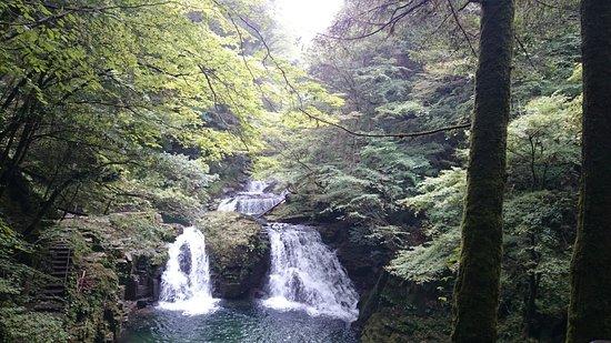 Akame Shijuhachi Waterfall: 赤目四十八滝