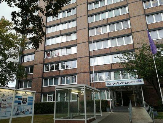 Gästehaus Rostock: Eingang zum Gästehaus