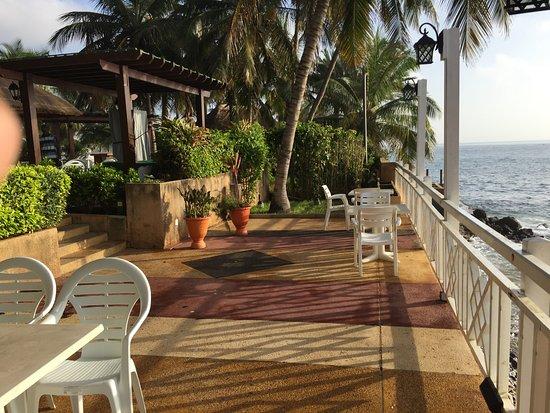 Savana Jardin-Hotel Dakar: Restaurant front de mer (espace Pélican)