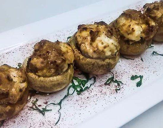 Longview, WA: Sausage Stuffed Musshrooms