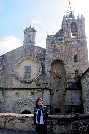Leiro, España: Iglesia Parroquial anexa al Hotel-Monasterio