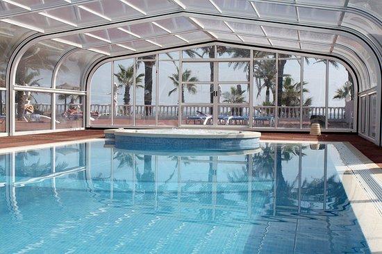 camping playa tropicana piscina cubierta y jacuzzi para el invierno