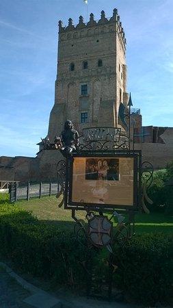 Lutsk, Ucrânia: Каждый путешественник может примерить корону)