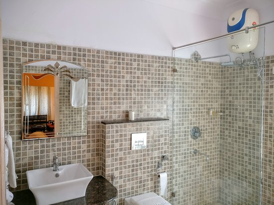 Suryaa Villa: All rooms come with mourned attached bathrooms with amenities