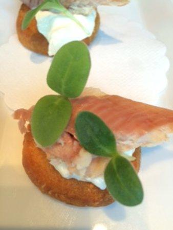 Amuse bouche picture of restaurant limmathof zurich for Amuse bouche cuisine