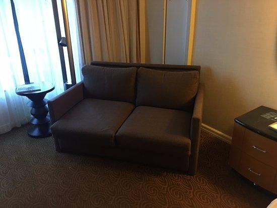 Rückwand Bett im Deluxe Zimmer - Picture of New York Hilton ...