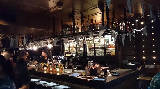 Oss, Nederländerna: Bar