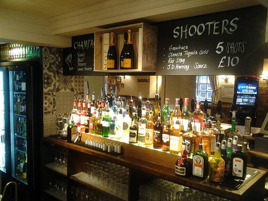 Nuneaton, UK: MAin Bar 2
