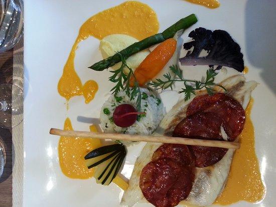 Guebwiller, France: daurade au chorizo avec purée de cèleri et légumes