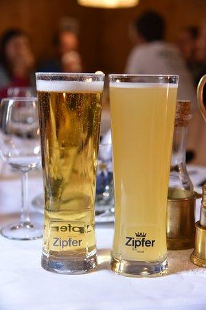 Oetz, Austria: 오른쪽이 라들러입니다. 맛은 레몬음료수 같지만 알콜이 있으니 주의하세요.