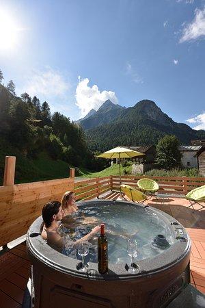 Les Hauderes, Suíça: Terrasse détente, jacuzzi