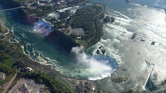 National Helicopters - Niagara Falls Heli-Tours: The falls
