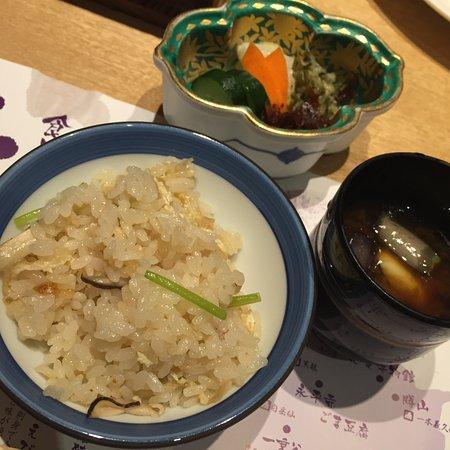 Awara, Japan: 〆の茸ごはんが最高!もうおなか一杯なのに更に食べてしまった!
