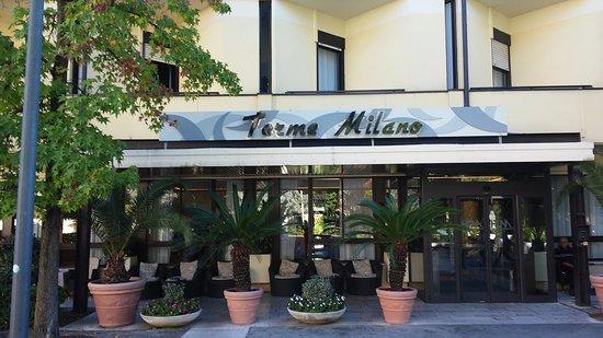 Terme Milano Hotel: Ingresso da Viale delle Terme