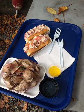 Gurnet Trading Co.: Lobster rolls and steamers