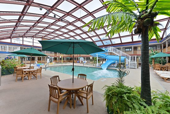 AmericInn Hotel & Conference Center La Crosse - Riverfront