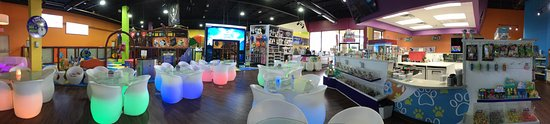 The Woodlands, TX: Let your children have fun while you enjoy our wide range of Coffees, Teas, Paninis and Salads,