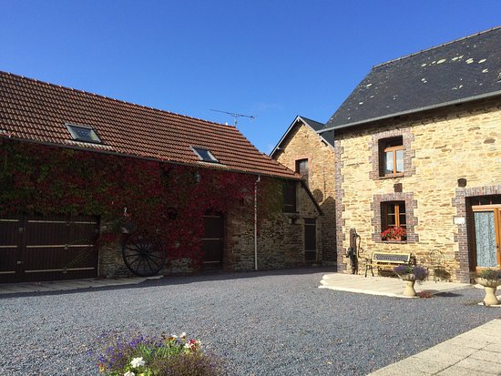 Calvados, Francia: Wow we had a fantastic time here, highly recommend to anyone. Place   beautiful, Andy and Jill a