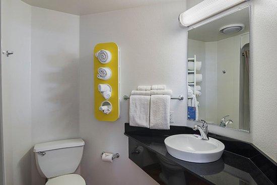 Wheatland, WY: Bathroom