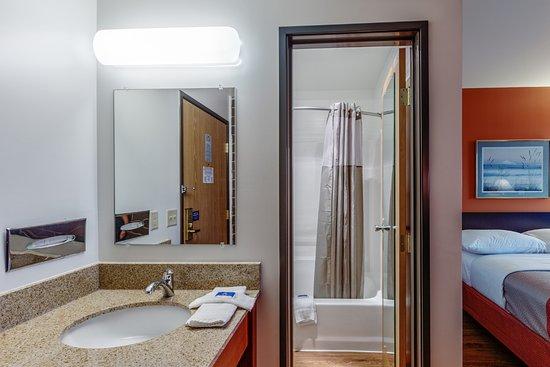 Wausau, WI : Bathroom