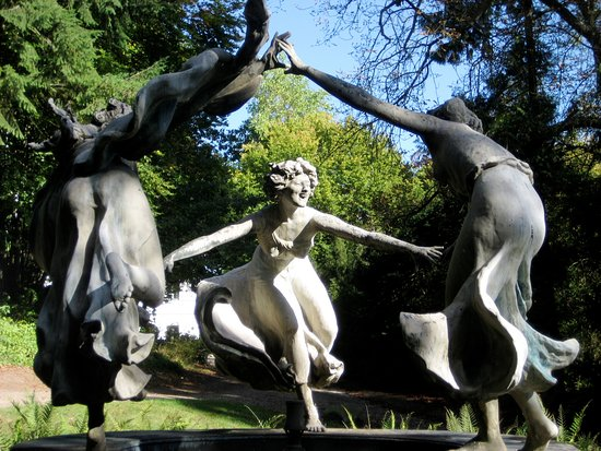 Hohen Demzin, Deutschland: Nymphenbrunnen