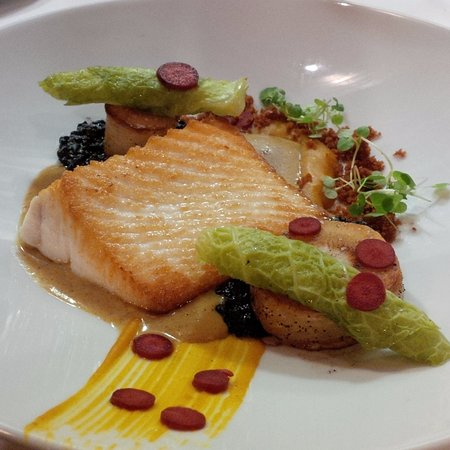Blue Water Cafe: Halibut