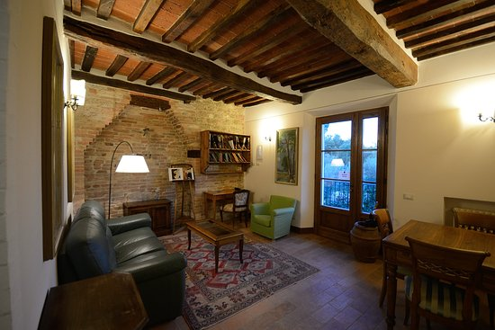 Sala di lettura - Picture of B&B L\'orto Delle Terme, Bagno Vignoni ...